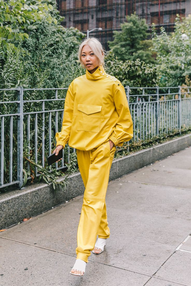 New York Fashion Week Street Style New York, Street Style 2018, Autumn Street Style, Street Style Looks, Ny Fashion Week, Fashion Tips, Fashion Design, Fashion Killa, Dress Codes