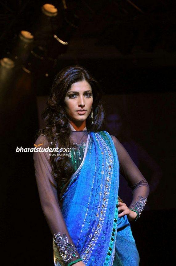 Satya Paul saree blouse design   Shruti Hassan on the ramp    saree blouse design designer saree