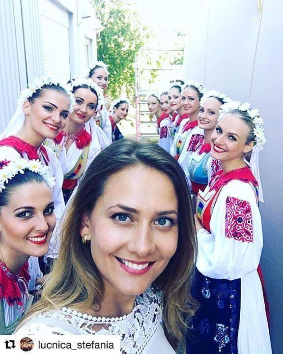 Dnes krásne dievčatá skvelá atmosféra a folklór na Devíne!  #praveslovenske od @lucnica_stefania   Behind the scenes during the Cyril and Method celebration in Devin! .......... #slovakia #slovensko #devin #lucnica #napana #dajtonapana #folk #folklore #folkstyle #folkdance #folkmusic #folkdress #ludovahudba #tanec #kroje #devy #historia #history #historic #historical #tradicie #traditions #traditional #beauty #beautiful #beautygirl #girls #girl