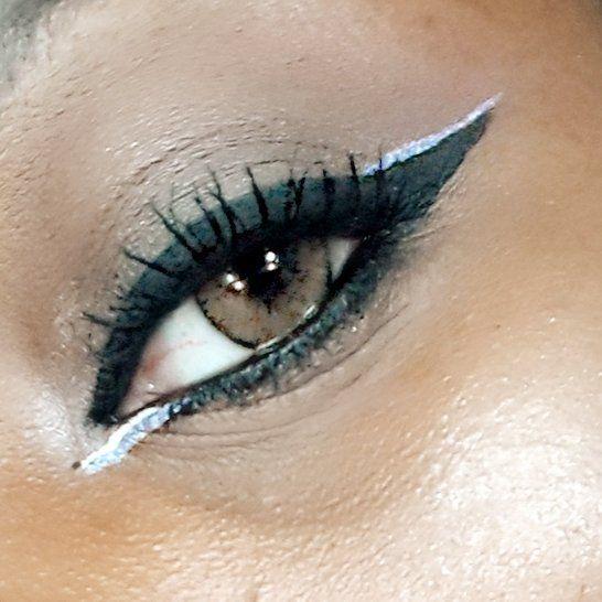 Olhe adiante e siga em frente! Make básica só com delineador!  #brazilianblogger #belezanegra #blackbeauty #BlogueiraNegra #DaniFashionista #fashion #style #stylish #love #InstaTagZ #beauty #pretty #outfit #MaquiagemPeleNegra #maquiagem #makeup #makeuplovers #instamakeup #instadaily #bloggerlife #bloggergirl