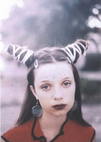 90s hairstyles, Hairstyles and Horns on Pinterest