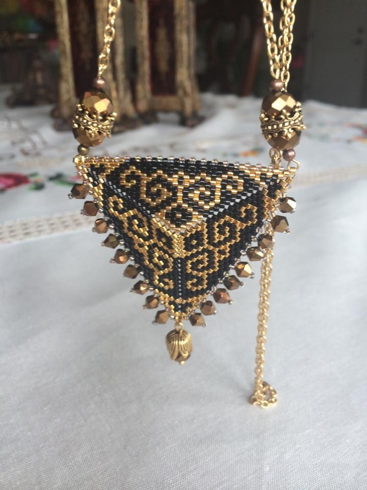 Triangle | biser.info - all about the beads and beaded works