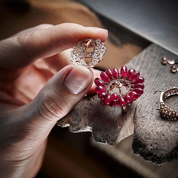 Фото как начинают делать ювелирное украшение