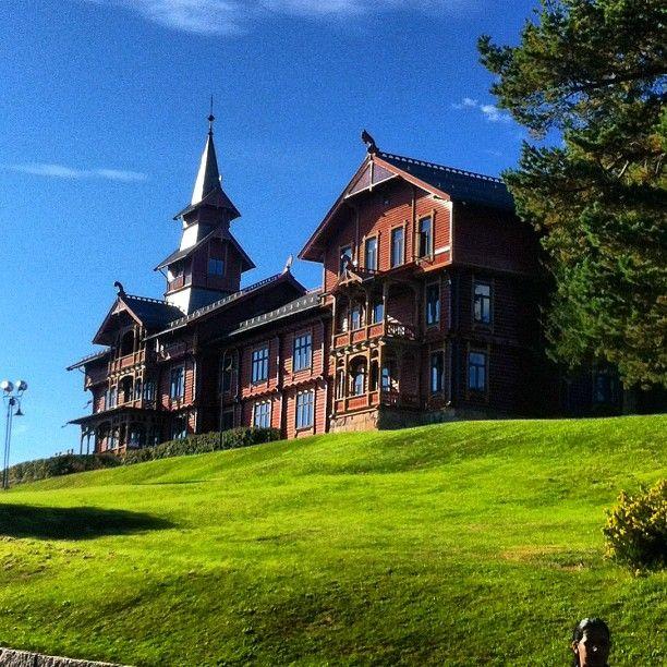 Holmenkollen Hotel, Oslo