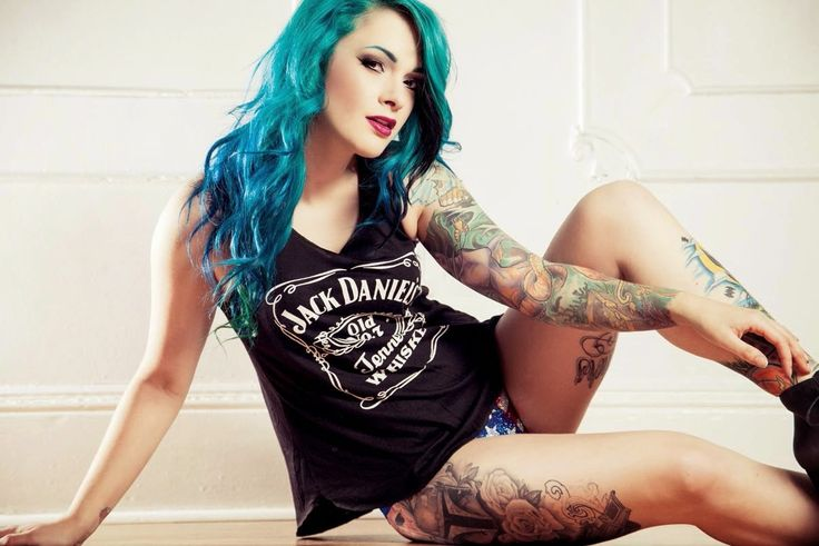 Hot Girls With Tattoos - Elle Munster