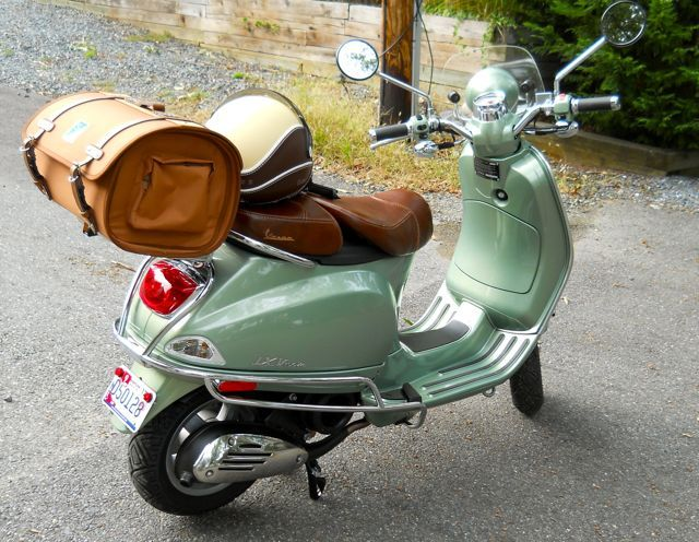 Modern Vespa : LXV 150 Standard accessories dont fit!