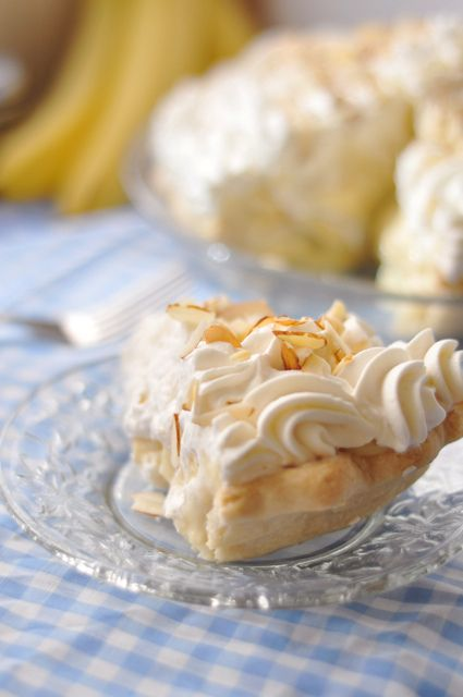 The real mccoy banana cream pie.  This puppy is completely from scratch!!!!