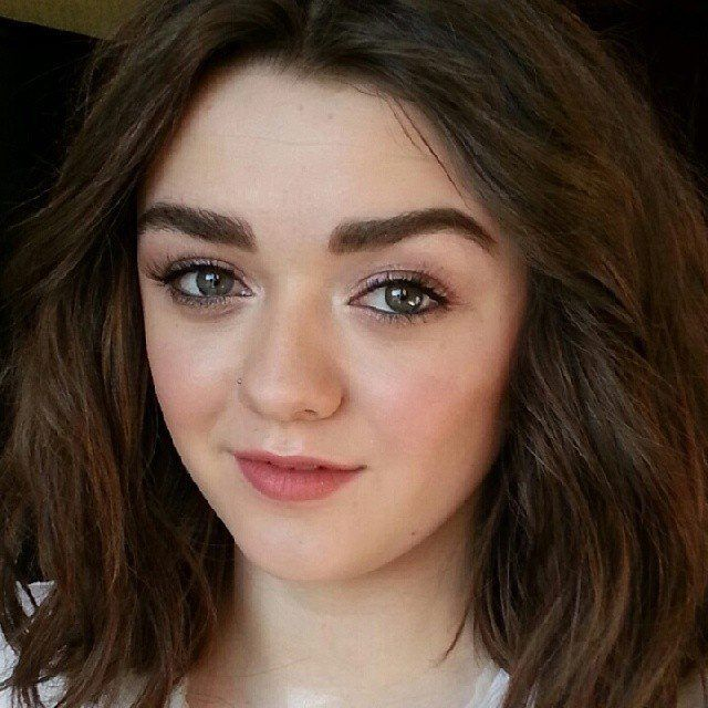 maisie williams vk