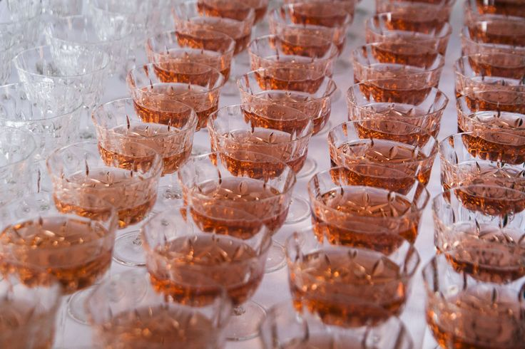Wedding // Glasses // Pink Champagne // A Table Story