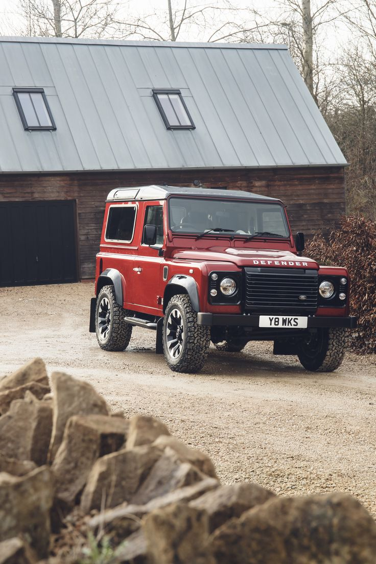 We have some good news, and some bad news. First, the good; Land Rover will fit a 400-horsepower 5.0-liter V8 beneath the hood of 150 90 and 110 wheelbase for a very special edition Defender, called the Defender Works V8. Zero to 60 mph now happens in a claimed 5.6 seconds instead of the 5.6 weeks that it probably took the original Defender, and top speed is increased to 106 mph.