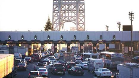 Cruce neurálgico. Tres carriles del puente George Washington, que conecta Nueva York con Nueva Jersey, fue cerrado varios días en septiembre./REUTERS