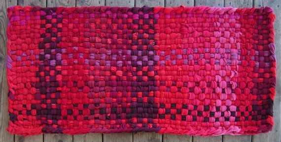 Red rug, Runner rug, Rag rugs, Cotton rugs, Shabby chic rugs, Washable throw rugs, T-shirt rug, Hand woven rugs, Rag rugs for sale, 2x4