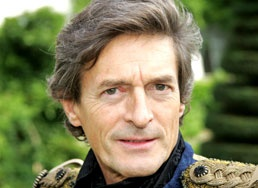 Nigel Havers, today, a silver fox! ♥♥