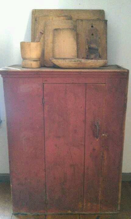 Tinkertown Antiques   Sweet Little Cupboard!