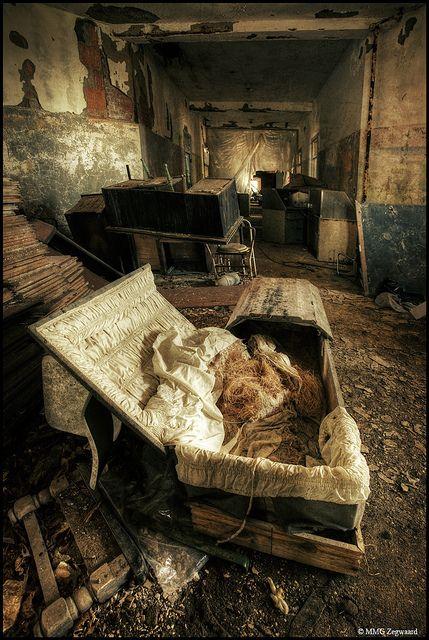 MT Psychiatric Center, NY: Abandoned Building, Most Haunted Places, Abandoned Asylum, Mt Psychiatric, Small Psychiatric, Creepy Places, Abandoned Places, Mental Hospital