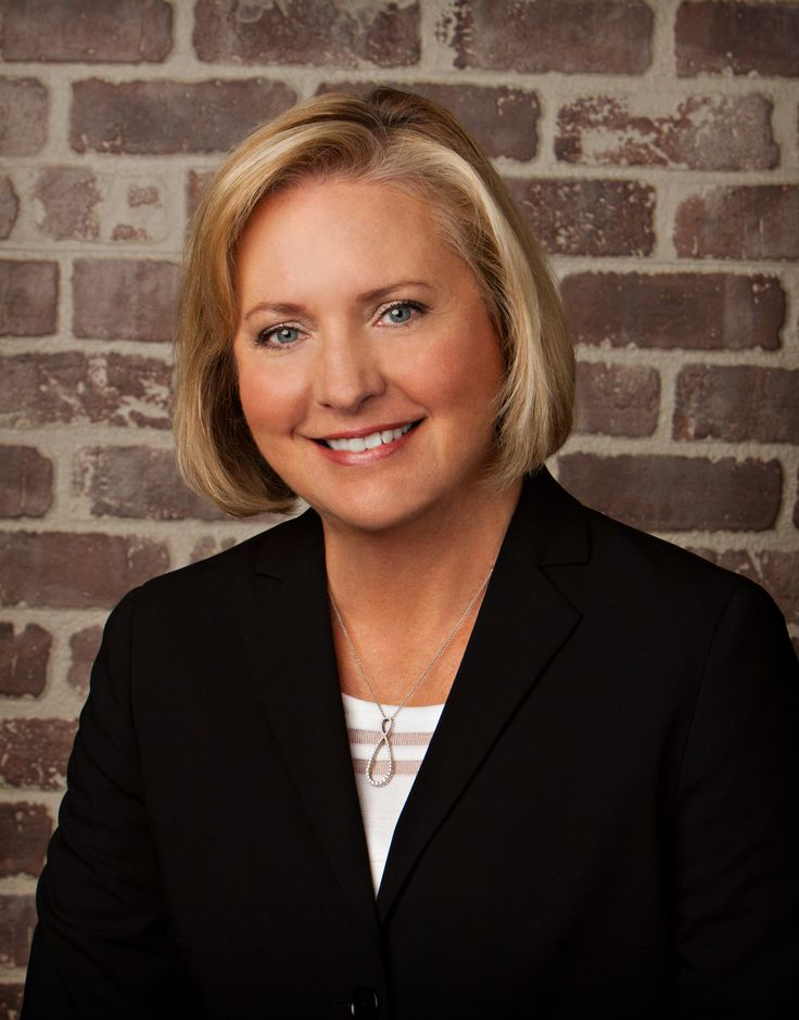 3 Tips for women wanting to become CEOS from Buffalo Wild Wings CEO