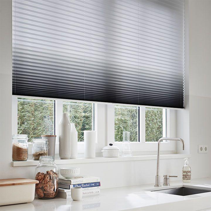 Laat u inspireren door Luxaflex® raamdecoratie. Plissé Shades http://cdinterieurs-instyle.nl