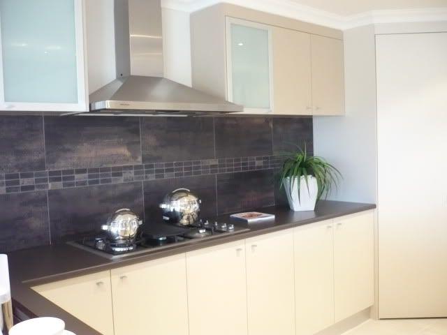 18 best images about tiled kitchen splashbacks on pinterest for Splashback kitchen designs