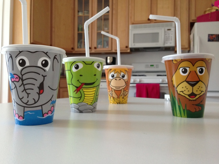 Zoo Pals® Cups have a tight seal helping prevent spills! & hefty zoo pals disposable containers with flipdown lid | design ...