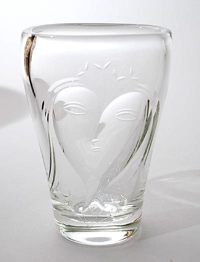 Clear glass vase with engraved image of abstract female head design Floris Meydam 1953 executed by Glasfabriek Leerdam / the Netherlands