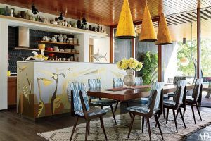 At home with Jonathan Adler and Simon Doonan kitchen dining.jpg