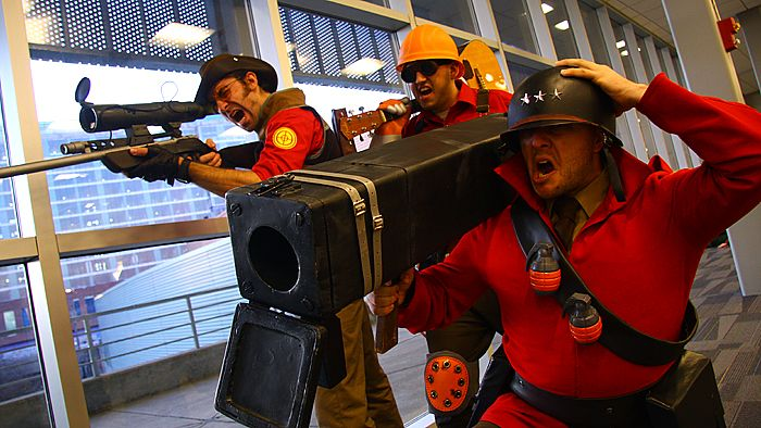 Great TF2 cosplayers. Fantastic expressions.