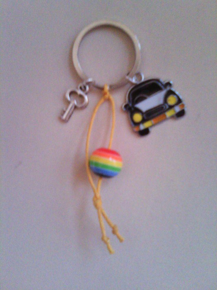 μπρελόκ με αυτοκινητάκι μεταλλικό κλειδί και χάντρα - μάτι