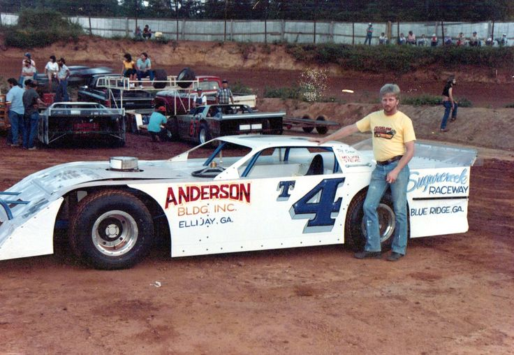 T4 Johnny Chastain of Blairsville, GA Dirt late model