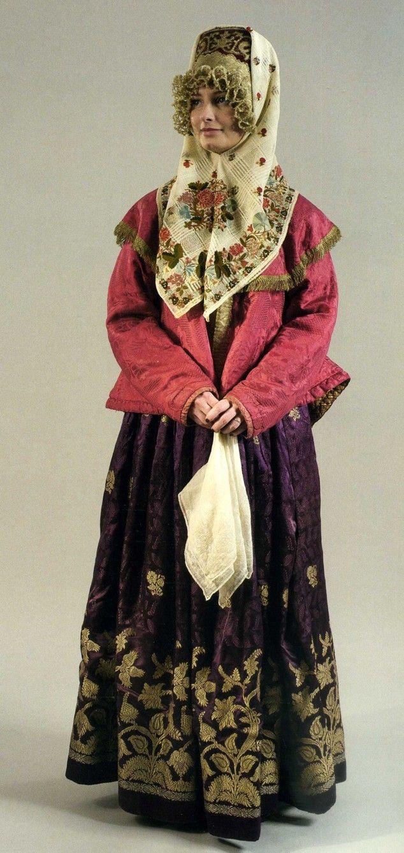 Женский праздничный костюм. Первая половина ХIХ века Шугай, юбка, кокошник…