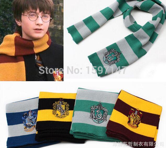 Купить товарГарри поттер серии аксессуары гарри поттер шарф шарфы гриффиндор хаффлпаффец слизерин вязать шарфы косплей костюм подарков в категории Шарфына AliExpress.    Harry Potter Horcrux Locket Alloy KeyChains Hogwarts Gryffindor Slytherin Ravenclaw Hufflepuff Keyring key chai