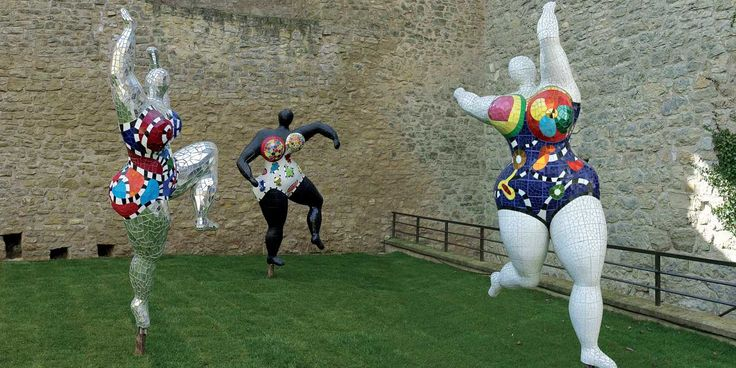 """Les """"Nanas"""" de Niki de Saint Phalle présentées au Grand Palais"""
