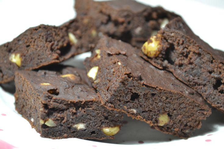 Vörösbabos brownie - Red kidney bean brownie with peanuts