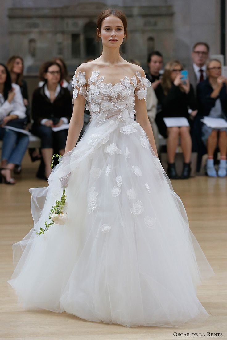 Oscar De La A Spring 2018 Bridal Short Sleeves Sweetheart Neckline Heavily Embellished Bodice Tulle Skirt Princess Ball Gown Line Wedding