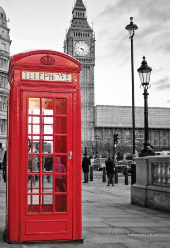 A Traditional Red Phone Booth In London With The Big Ben In A Black And White Background Pôsters na AllPosters.com.br