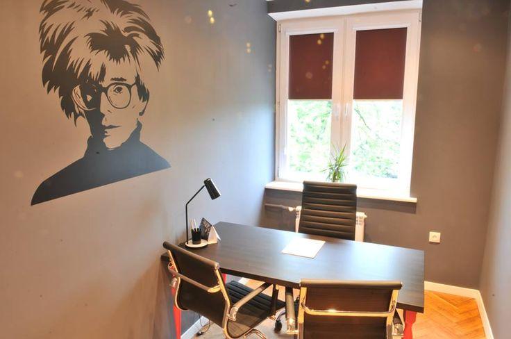 Biuro Andy Warhol Biuro zaaranżowane w stylu mistrza pop-artu. Przypadnie do gustu miłośnikom elegancji i kreatywności.
