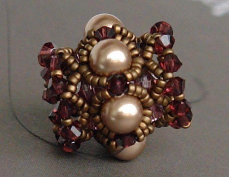 Sidonia's handmade jewelry - Beaded Bead Tutorial