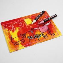 13330 Målarplatta med ritat motiv på färgad bakgrund