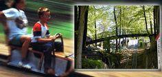 Nicht hinter den sieben Bergen, sondern 700 Meter von der Autobahn A30, Abfahrt Ibbenbüren, befindet sich das Ausflugsziel Sommerrodelbahn.   Einem Ibbenbürener Bergmann kam die Idee vor Ort. Er baute am Rande des Teutoburger Waldes eine 100 Meter lange Rutsche für Holzschlitten, das war 1926. Noch heute sausen jene Schlitten im Sommer den Hang hinunter. Rund um diese Hauptattraktion ist in den vergangenen Jahrzehnten ein liebenswerter Freizeit- und Erholungspark entstanden.