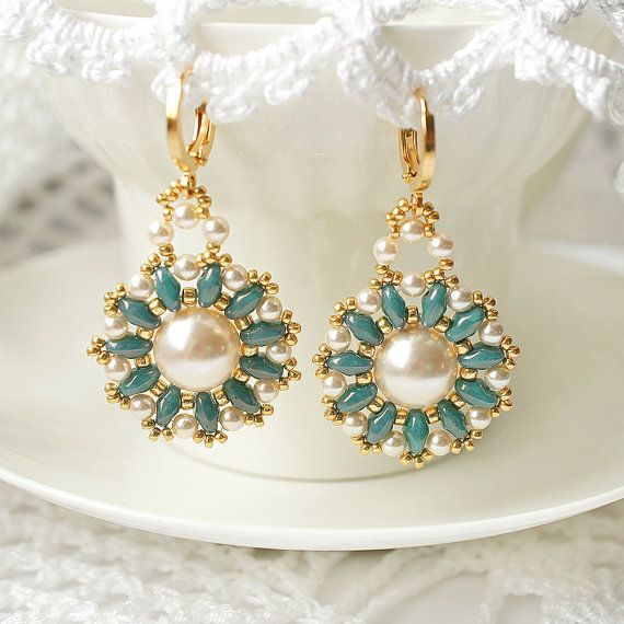 Beaded earrings with Swarovski pearls beadwoven by RitaLovelyBeads