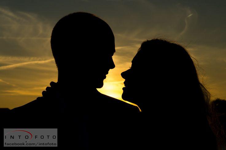 Silhuetter i solnedgangen #Bryllup #Wedding #Bryllupsfotograf #Intofoto #Bryllupsfoto #Bryllupsfotografering #Hillerød #Nordsjælland #Brudepar
