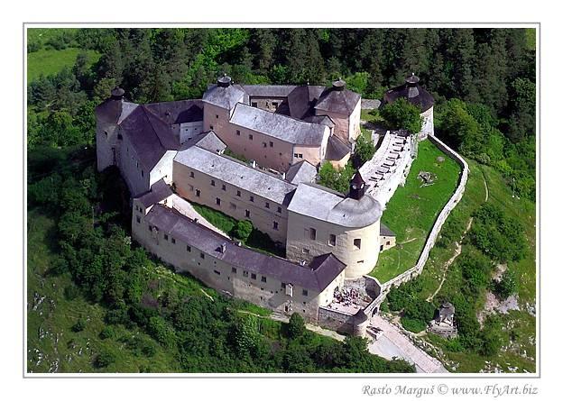"The castle ""Krasna Horka"" is a castle in Slovakia. It was built in 1333."