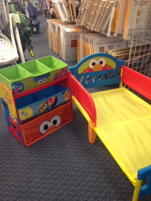 this toddler bed and toy organizer set is perfect for your elmo lover brand new