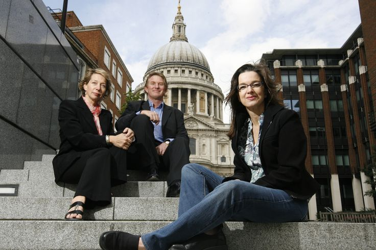 Gary & Kathy Jordan with Neleen Strauss outside High Timber & St Paul's Cathedral