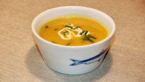 Recept kruidige pompoensoep met wortel en ui