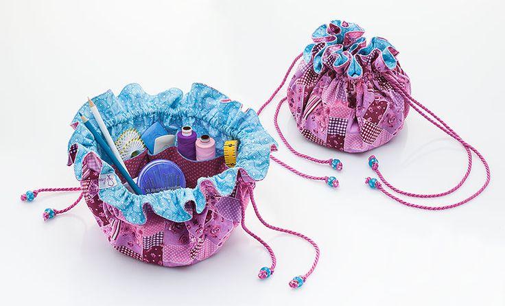 Heute nähen wir im Blog ein tolles Utensilo zum Mitnehmen! Unser Pompadour ist mit den bunten Baumwollstoffen nicht nur besonders hübsch, sondern auch praktisch. Wir haben das Täschchen für Nähutensilien genutzt, aber natürlich eignet es sich auch ganz wunderbar für Kosmetik oder andere Kleinigkeiten.  Hier geht's zur Nähanleitung: http://blog.buttinette.com/naehen/pompadour-mit-innenfaechern-naehen  #DIY #Utensilo #Pompadour #Baumwolle #Nähen #Patchwork #Anleitung #Tasche