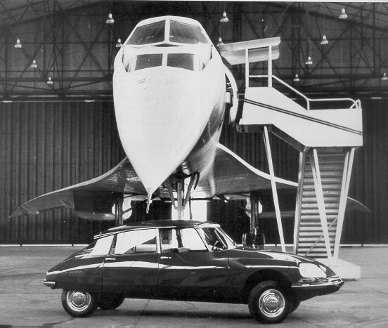 Citroen DS avec Concorde.Classic Car Art&Design @classic_car_art #ClassicCarArtDesign