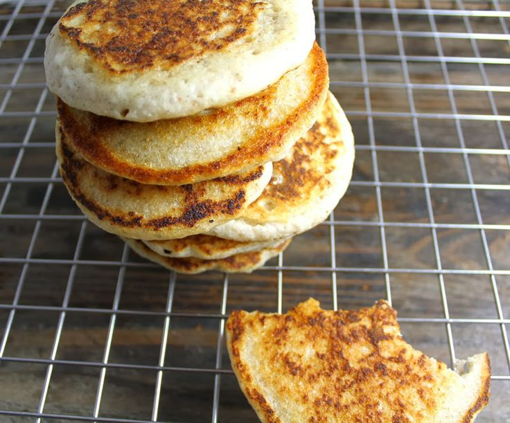 Knallgode tjukke pannekaker uten melk IG egg. Ekstra godt med 1 ts kardemomme og litt ekte vaniljepulver.