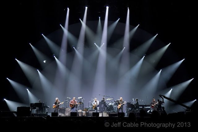 Jeff Cable's Blog: How to photograph a rock concert - The Eagles, Sara Evans, and Scary Little Friends