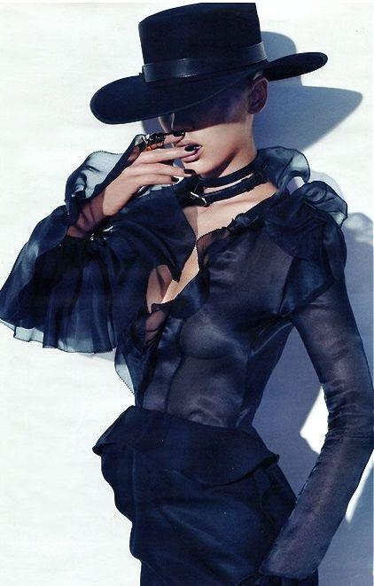 Samantha Gradoville By Paola Kudacki For Vogue Germany