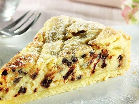 Una crostata molto simile alla pastiera ma più leggera e con un sapore un pò piu dolce.ottima per il dopo cena!